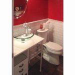 bathroom-red-wall