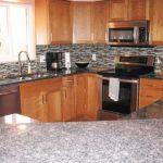 kitchen-black-backsplash-counter