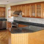 kitchen-black-counter