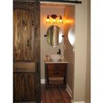 bathroom-barndoor