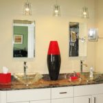 bathroom-red-vase