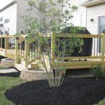 deck-landscaping