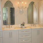 twin-mirrors-sinks